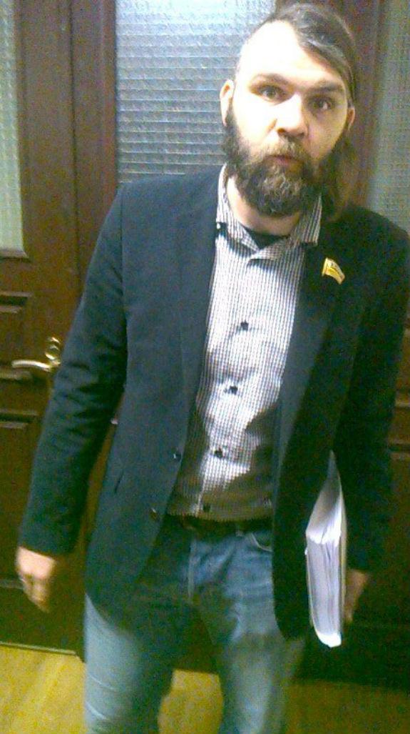 Як одягаються столичні депутати  - фото 7