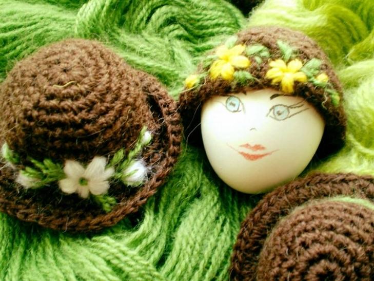Як на Черкащині прикрашають великодні яйця в капелюшки - фото 1