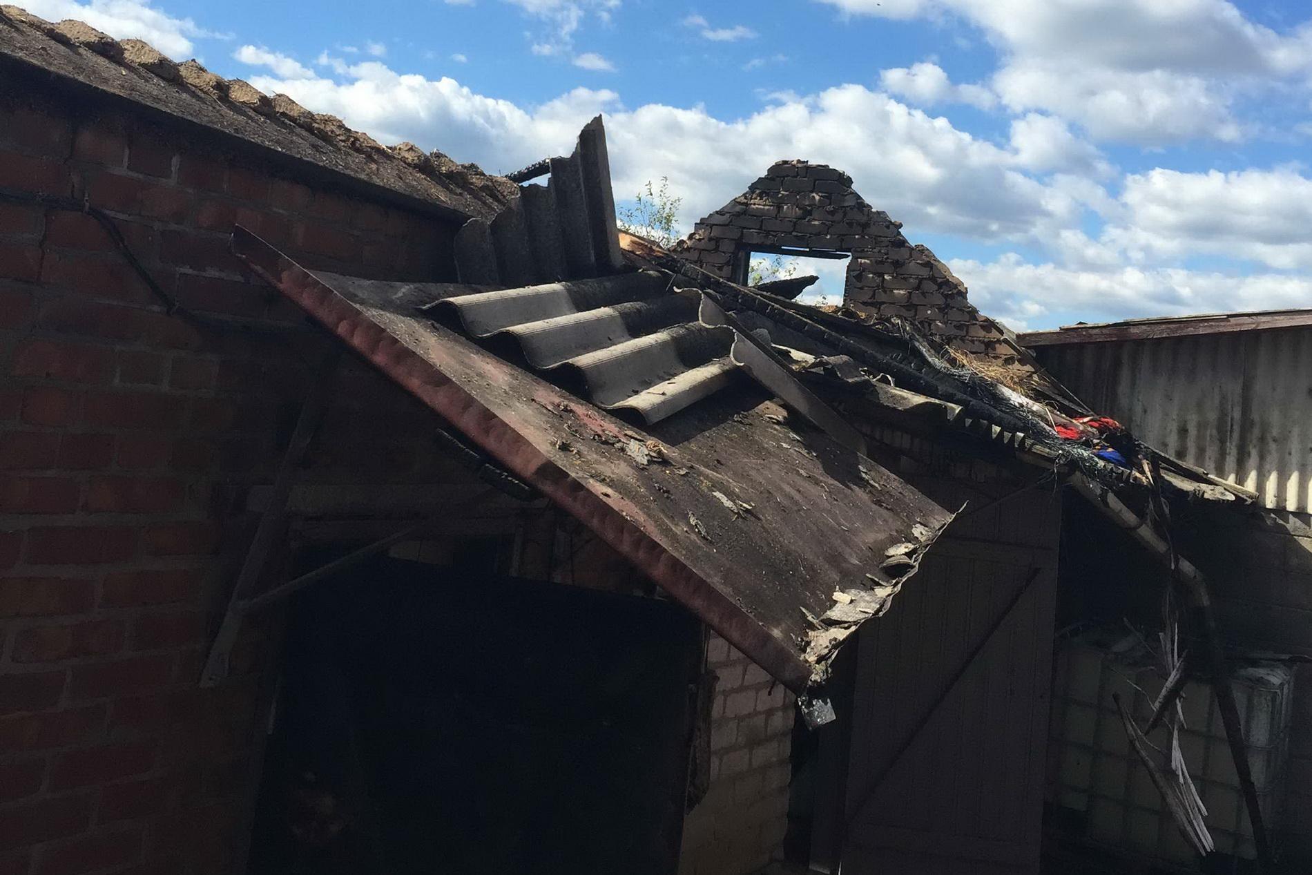 На Харківщині рятувальники витягли з вогню двох людей - фото 1