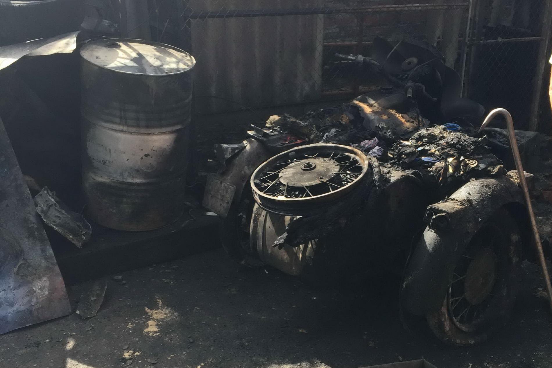 На Харківщині рятувальники витягли з вогню двох людей - фото 3