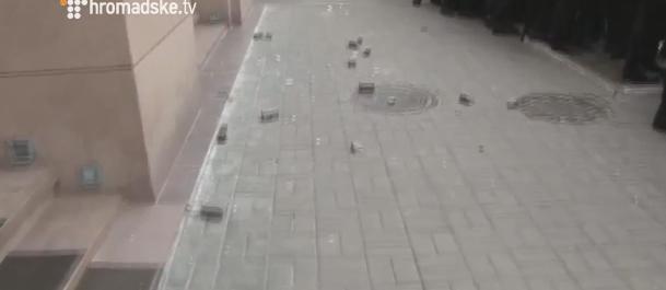 Як били вікна Ахметову - фото 5