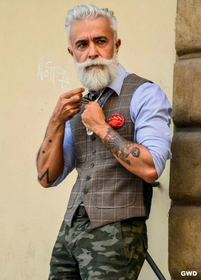 Сивий гламур: ТОП-7 стильних образів для дідусів - фото 7