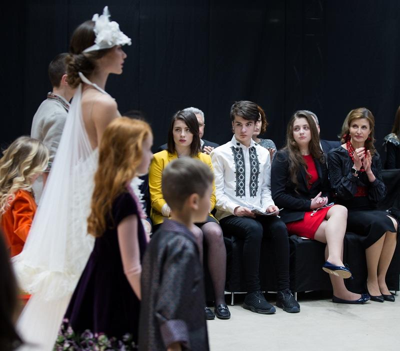 Перша леді країни відвідала показ вінницької дизайнерки - фото 1