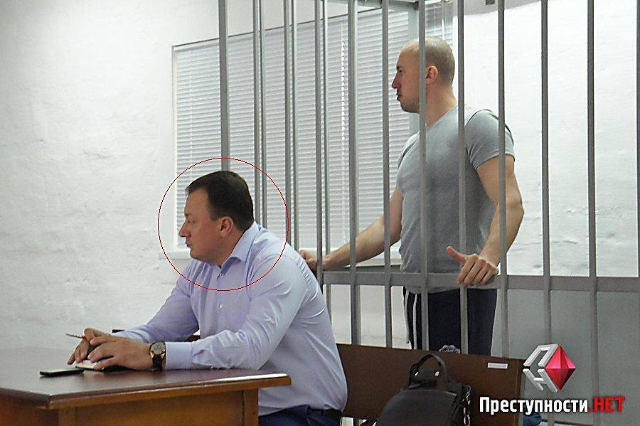 Один з адвокатів миколаївського чиновника-хабарника захищає шахрая з Росії