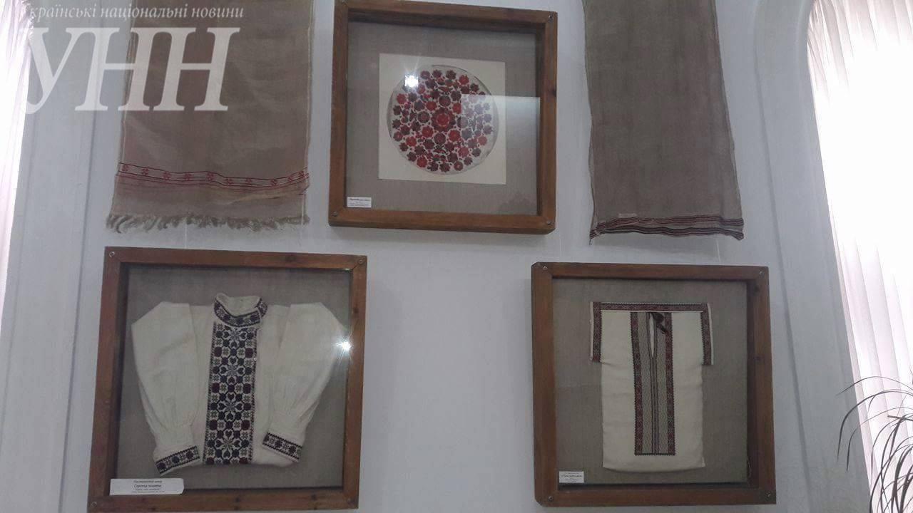 Вінничанам презентували виставку старовинної вишивки - фото 2