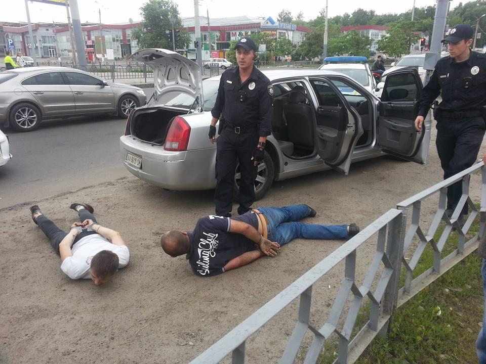 У Харкові поліцейські вчинили погоню: ловили викрадачів (ФОТО) - фото 3