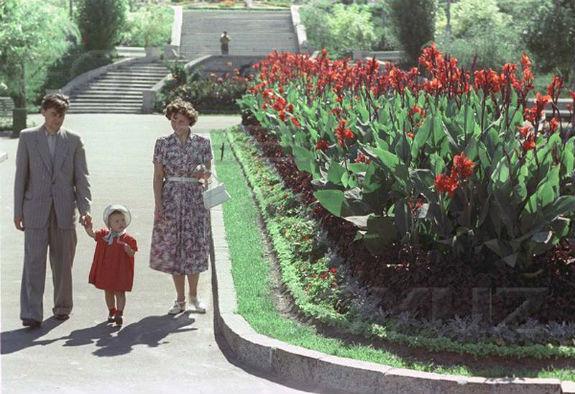 Місто-парк: як виглядав Київ понад 65 років тому  - фото 1