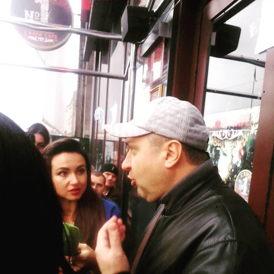 Парасюк з нардепами штурмує кафе в Будинку профспілок - фото 5
