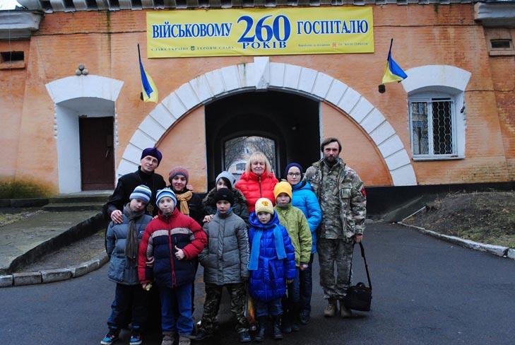 Священик-місіонер про бійців, які засилають волонтерів у Донецьк, та підпілля патріотів - фото 4