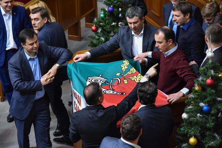 Патріот Коломойський та чому на боротьбу з корупцієй потрібні кулі, а не гроші - фото 4
