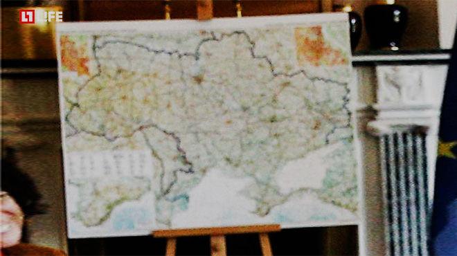 """На зустрічі """"нормандської четвірки"""" повісили карту з українським Кримом  - фото 1"""