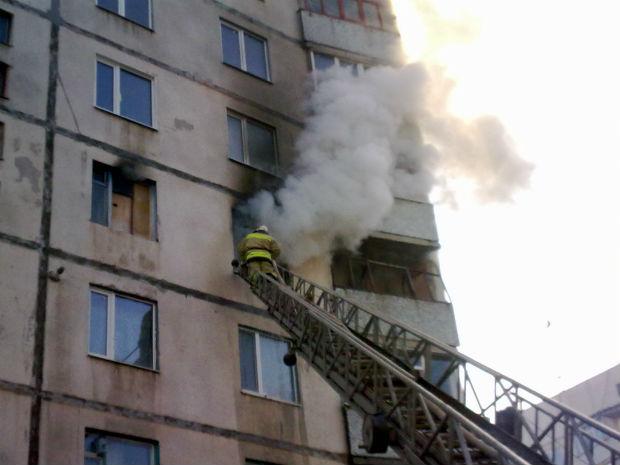 На північній Салтівці горіла багатоповерхівка: є постраждалі - фото 1