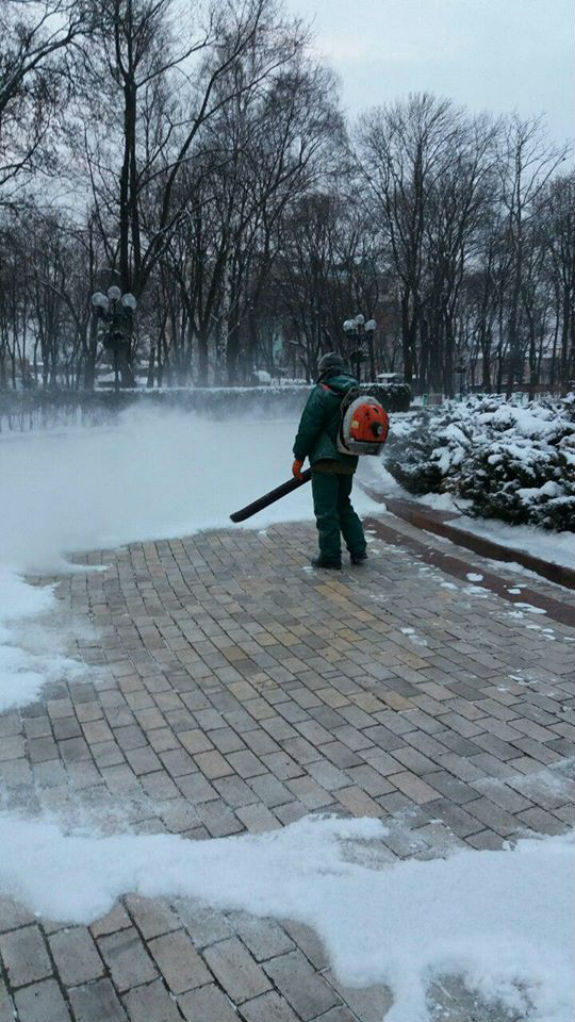 У Кличка придумали новий спосіб прибирання снігу  - фото 1