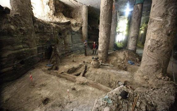 Розкопки на Поштовій площі у Києві: археологи показали неймовірні знахідки - фото 1