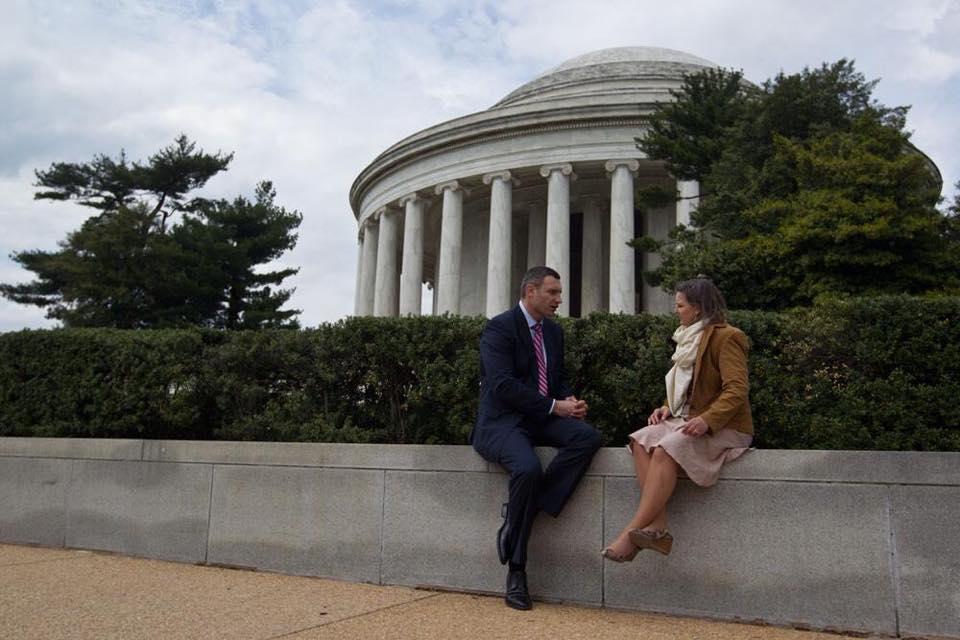 Як Кличко у Вашингтоні прогулювався парком з Вікторією Нуланд (ФОТО) - фото 2