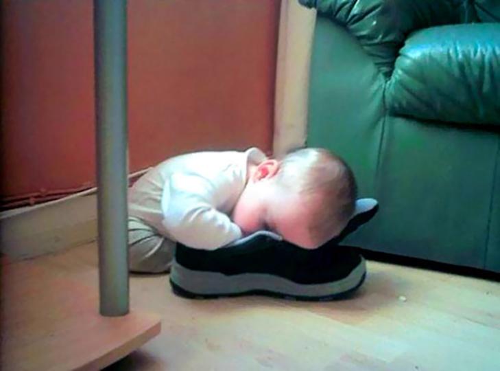 35 кумедних доказів того, що діти можуть заснути де завгодно - фото 4