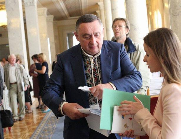Як депутати святкували День вишиванки (ФОТО) - фото 14