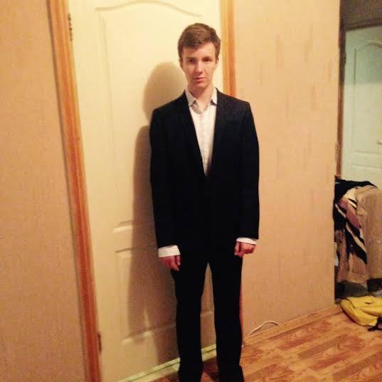 Як кияни вдягають на випускні випускників з Криму та зони АТО       - фото 3
