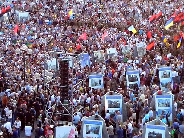 """Соцмережі про """"Правий сектор"""": привіт Порошенку від Коломойського і що знає Ярош про референдуми - фото 3"""