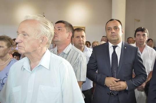 Гречка, газета, подвірний обхід - в Ужгороді активізувалися потенційні кандидати в мери - фото 3