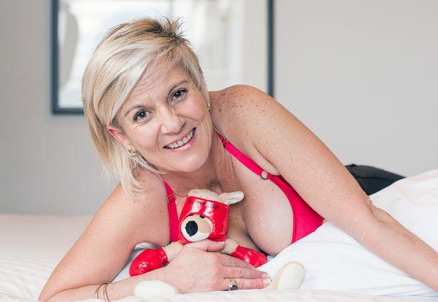 Силіконові груди врятували жінку від кенгуру - фото 2