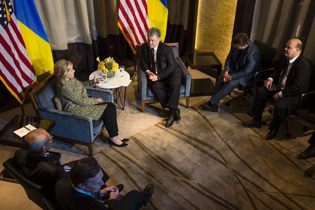 У Порошенка розкрили подробиці розмови з Гілларі Клінтон - фото 1