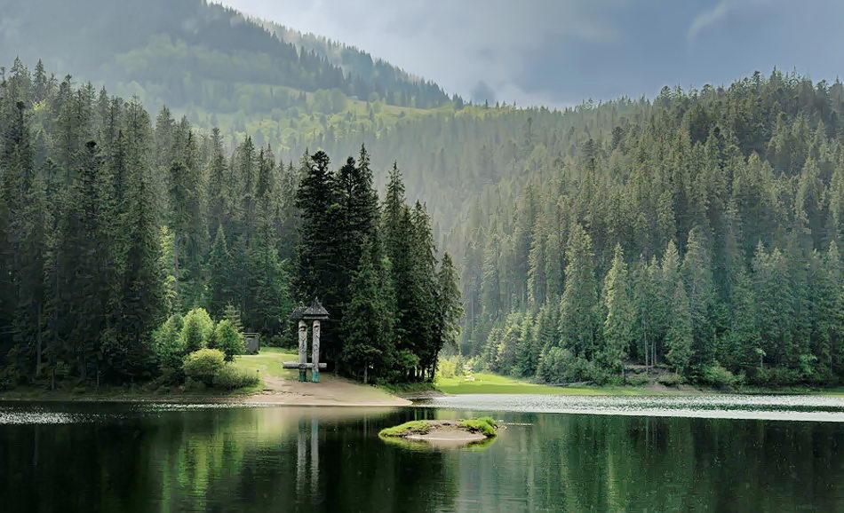Подорожі Україною: ТОП-10 вражаючих озер - фото 1