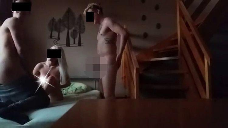Хокеїсти з міста Пісєк знялися у порнофільмі (ФОТО 18+) - фото 2