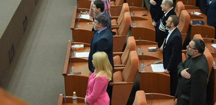"""Заступниця Філатова прийшла на роботу у """"костюмі барбі"""" - фото 1"""