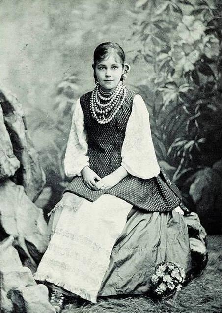 Як одягалися українські модниці 100 років тому - фото 5