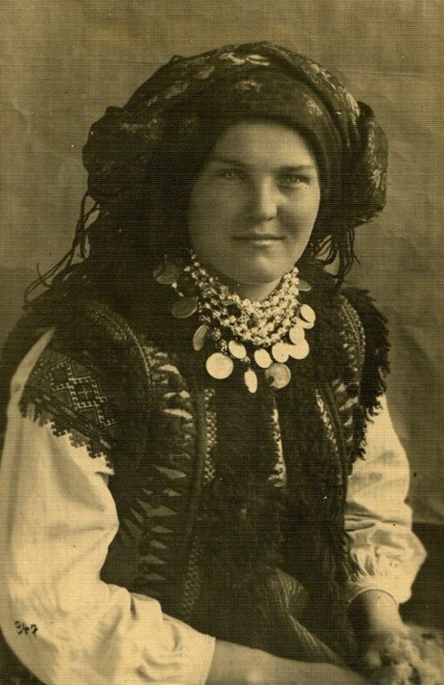 Як одягалися українські модниці 100 років тому - фото 6