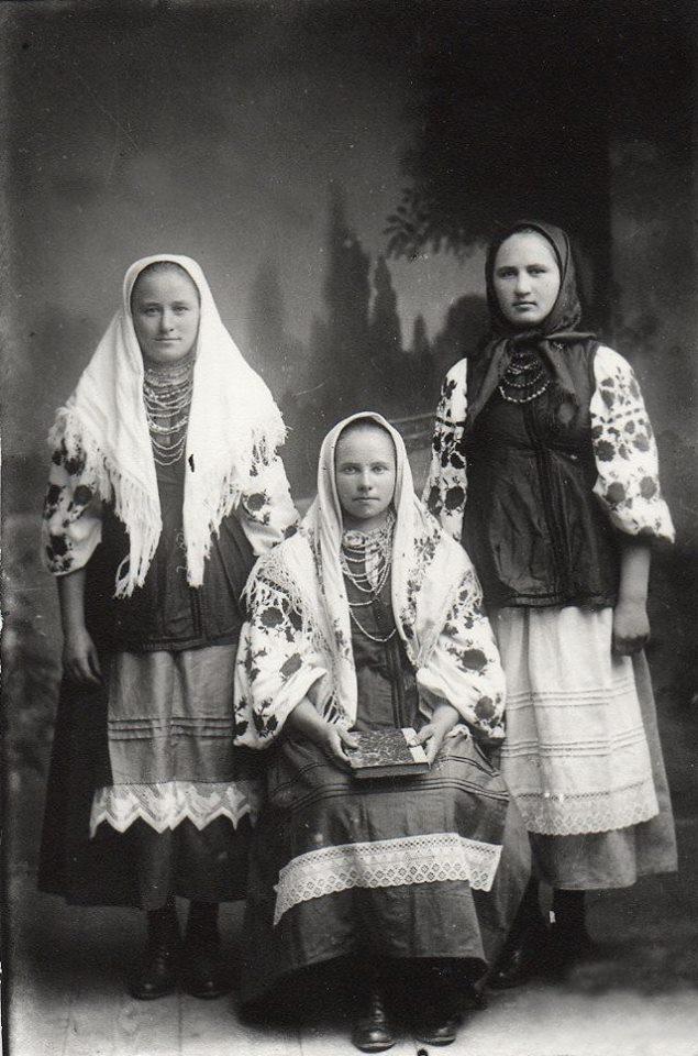 Як одягалися українські модниці 100 років тому - фото 7
