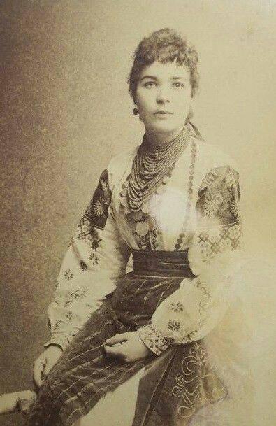 Як одягалися українські модниці 100 років тому - фото 8