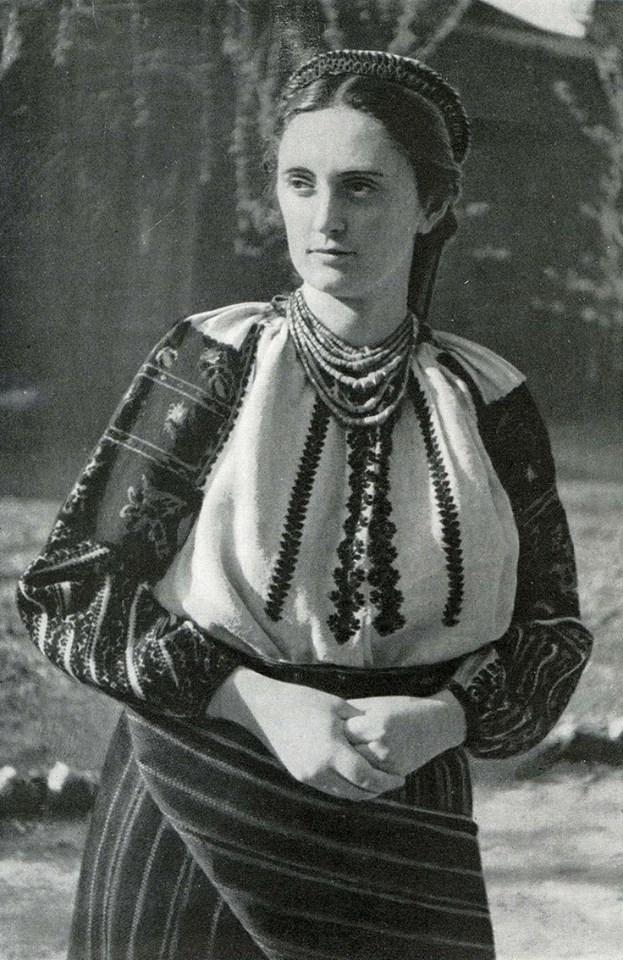 Як одягалися українські модниці 100 років тому - фото 9
