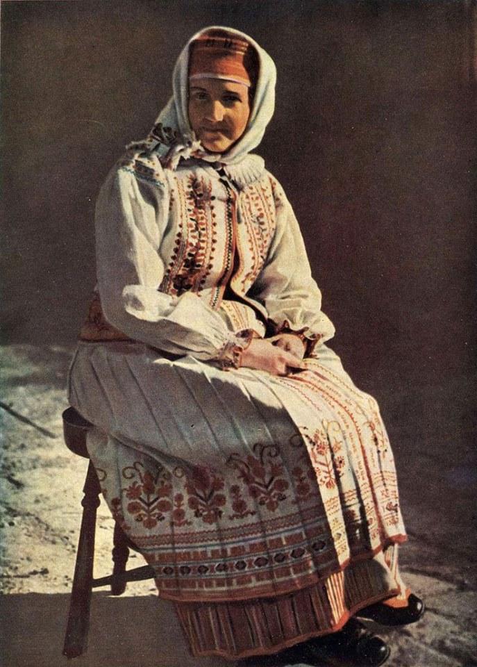 Як одягалися українські модниці 100 років тому - фото 10