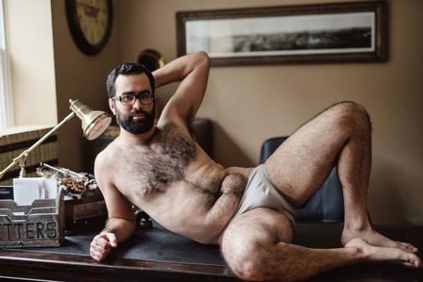 Як чоловік подарував дружині еротичний календар із собою (18+ ФОТО) - фото 7
