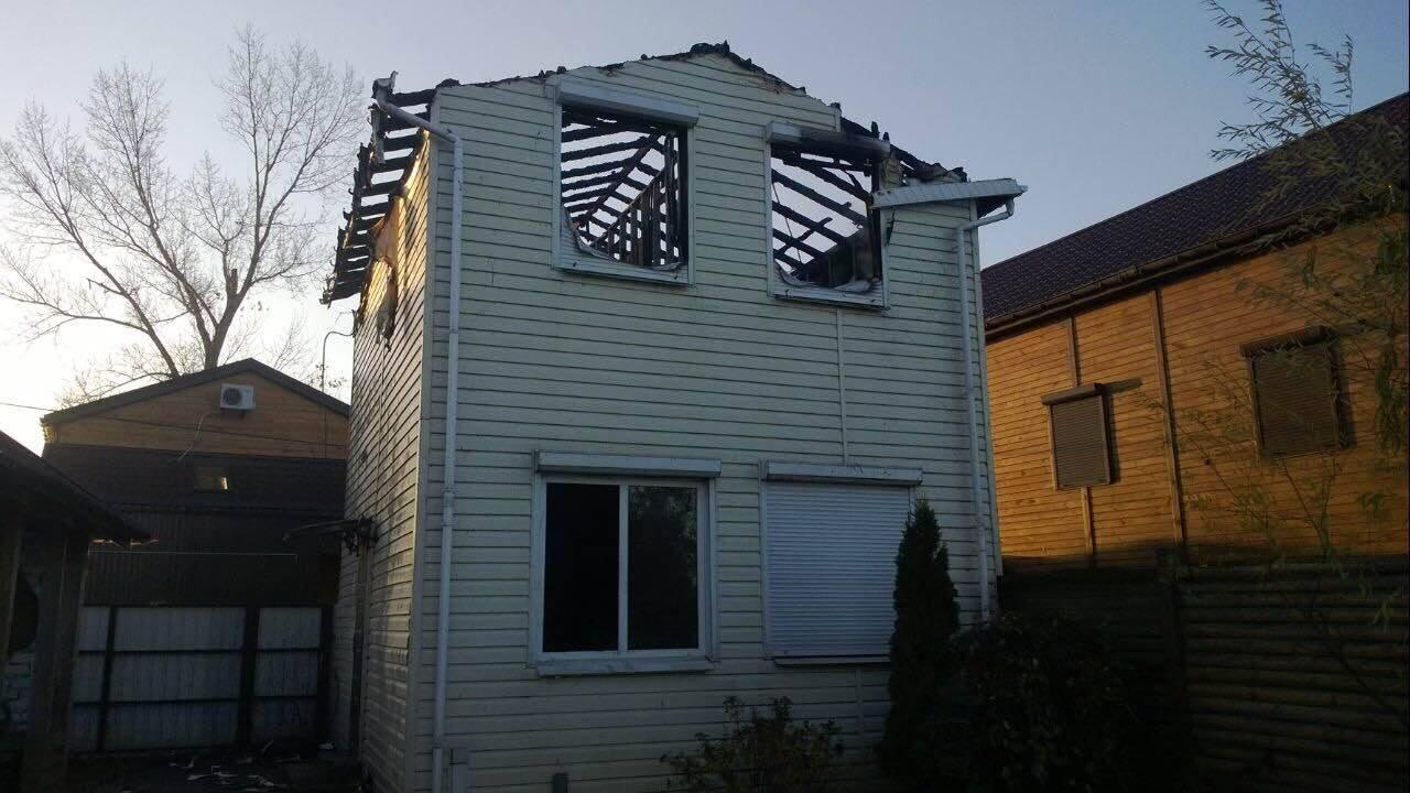 """Екс-""""регіонал"""" Олійник звинуватив Порошенка у підпалі будинку свого сина - фото 4"""