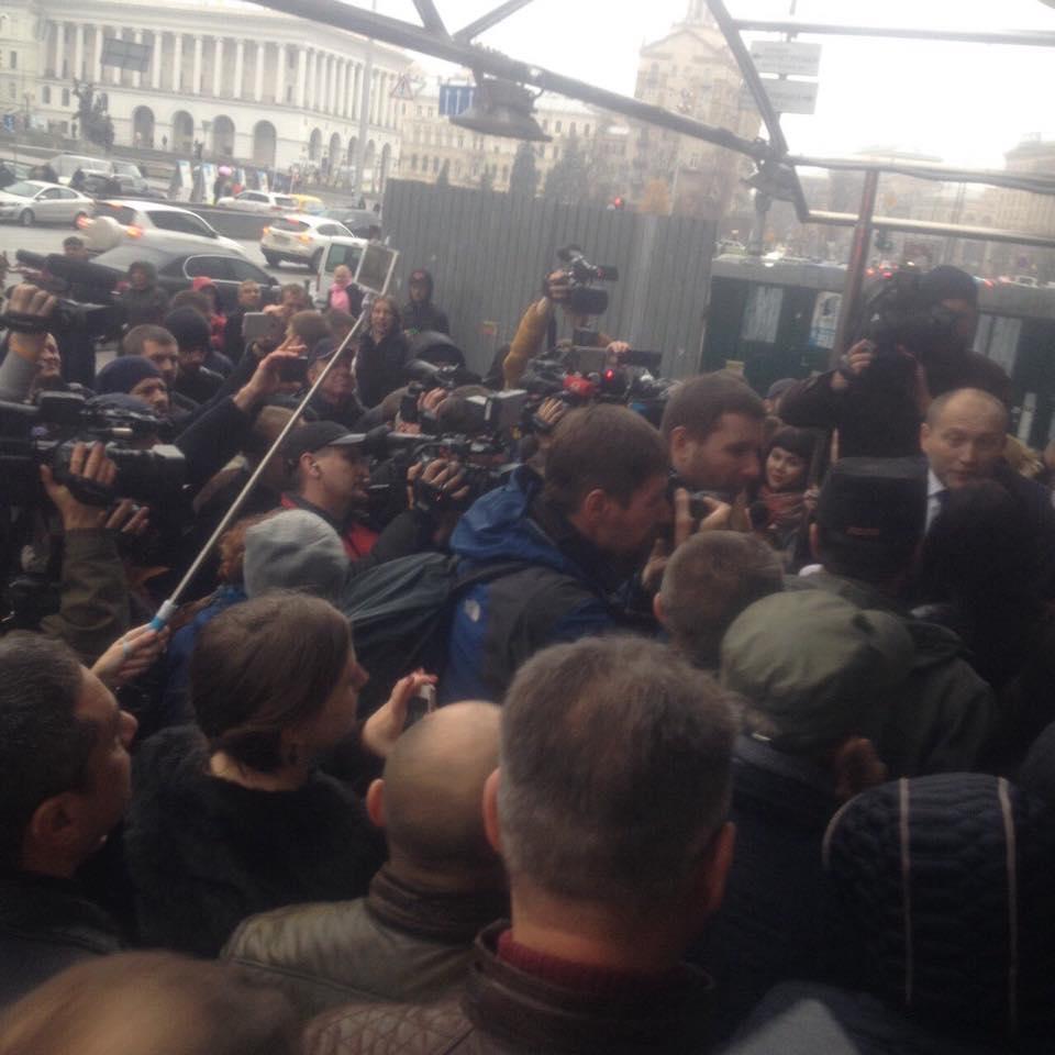 Як нардепи штурмували кафе в Будинку профспілок  - фото 3