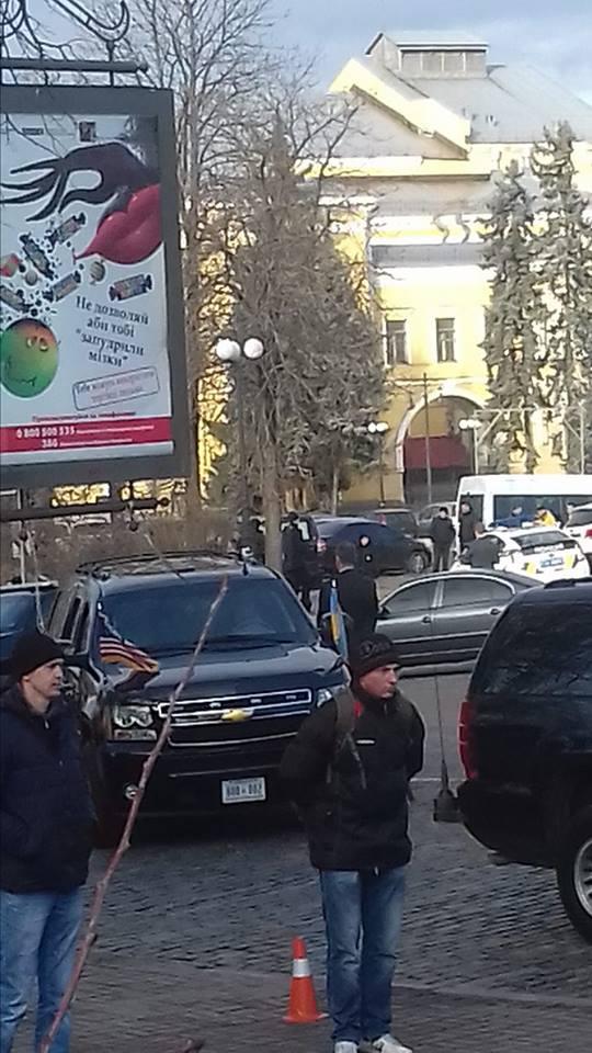 Як Байден і Нуланд гуляли центром Києва - фото 2