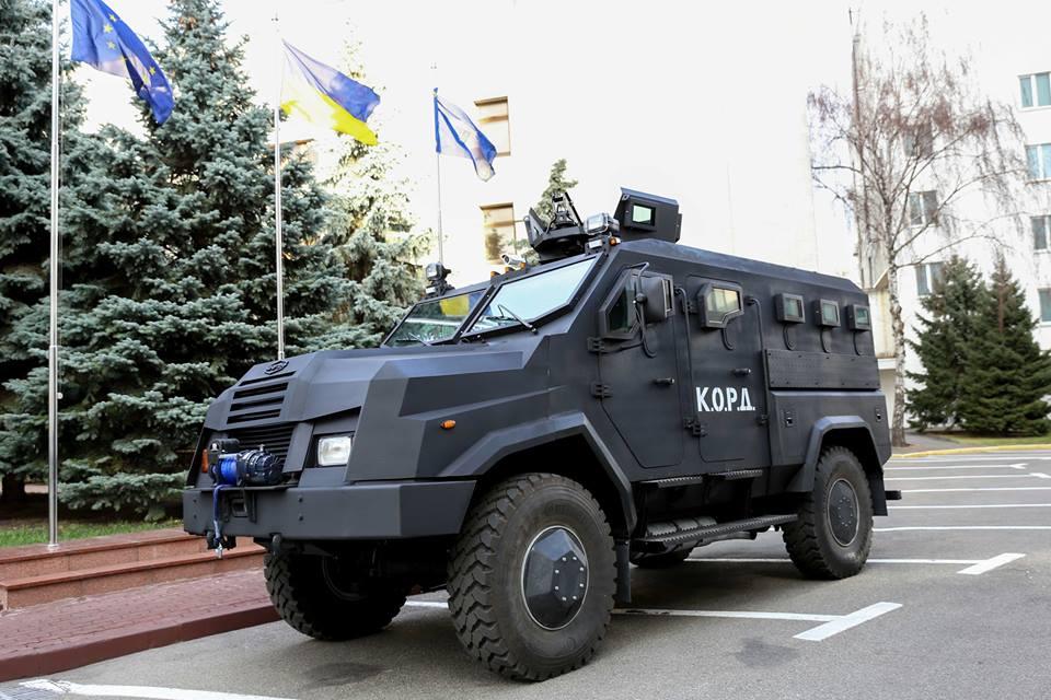 """Аваков показав новий автомобіль """"Варта"""" - фото 1"""