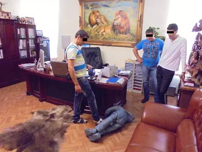 """Як """"Няша"""" воює з """"кримським монстром"""" і для кого це закінчиться гірше - фото 6"""