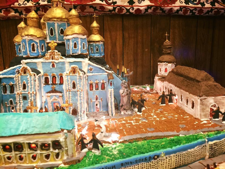 Дружина американського дипломата зробила Михайлівський собор з печива - фото 3