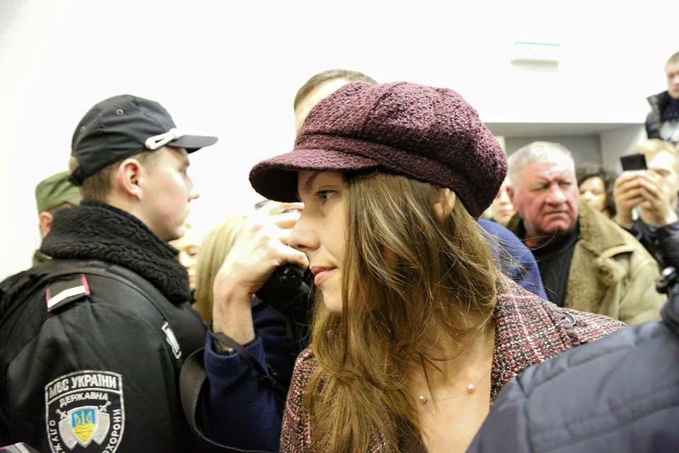 Сестра Савченко прийшла в суд над Корбаном - фото 1