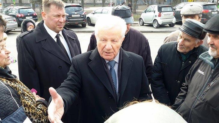 Хто з політиків прийшов на похорон Георгія Гонгадзе - фото 2
