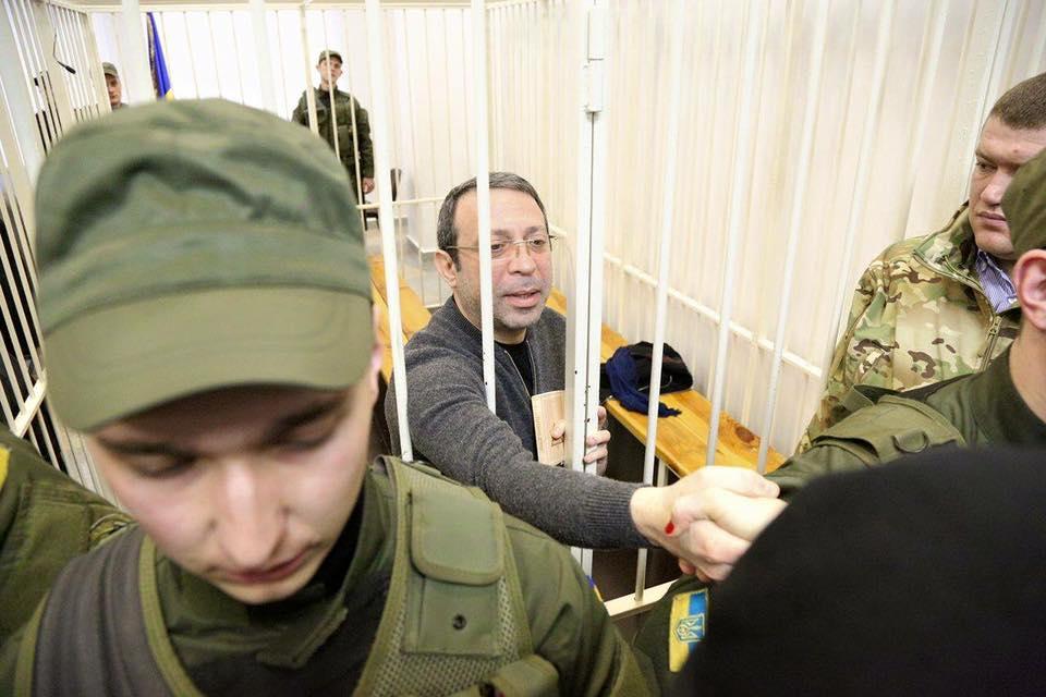 Сестра Савченко прийшла в суд над Корбаном - фото 2