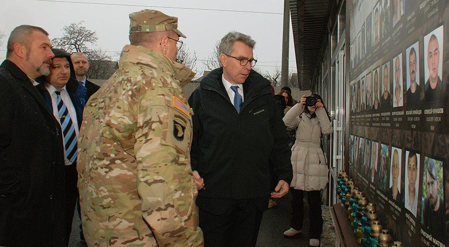 """Посол та генерал армії США були вражені відвідавши полк """"Дніпро-1"""" (ФОТО) - фото 6"""