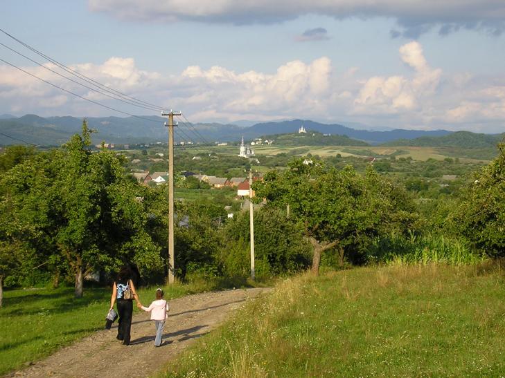 12659956 Подорожі Україною: Топ-10 найцікавіших сіл у Карпатах