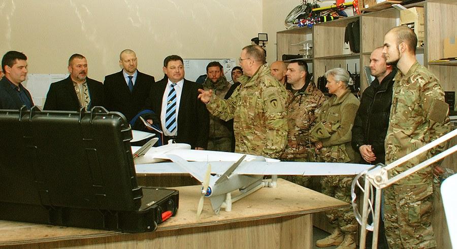 """Посол та генерал армії США були вражені відвідавши полк """"Дніпро-1"""" (ФОТО) - фото 3"""