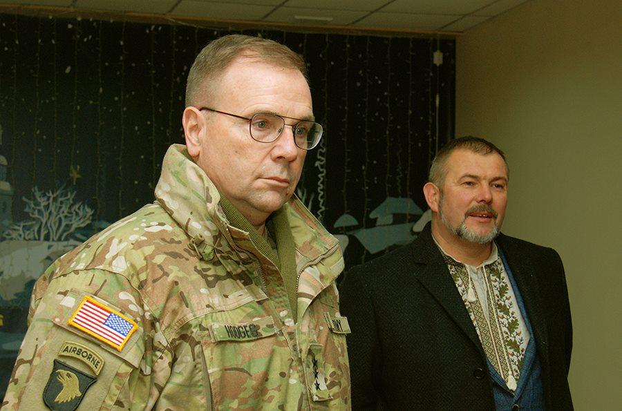 """Посол та генерал армії США були вражені відвідавши полк """"Дніпро-1"""" (ФОТО) - фото 2"""