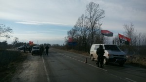 До блокади російських фур долучились активісти на Рівненщині (ФОТО) - фото 1